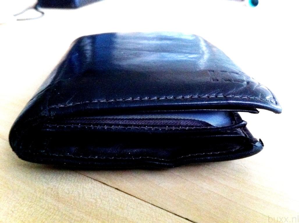 verloren  zwarte portemonnee met div  pasjes